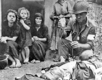WW2_Combat_Medics